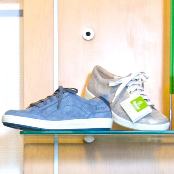 Schuhauswahl im Schuhhaus Rauh